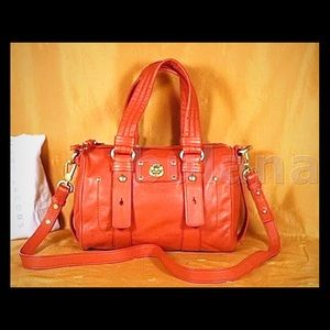 MARC BY MARC JACOBS TOTALLY TURNLOCK SHIFTY SATCHE